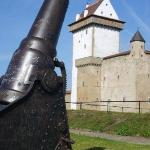 Every summer Narva Fort hosts many events and with this kind of security they have very little t