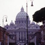 San Piedro, vista desde el Tiber.