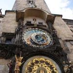 Torre del viejo ayuntamiento con el Reloj astronomico, de la epoca medieval!!