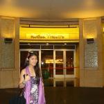 outside Kodak theatre