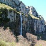 Resurgent waterfall