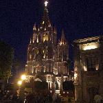 夜のサンミゲル教区教会