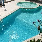excellent clean pool