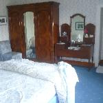 room for families with adjoining room and ensuite