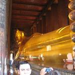Liegender goldener Buddha, 45 Meter lang und 15 Meter hoch. Echt cool!