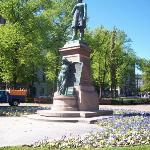 Statue of Runeberg