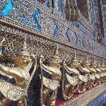 Emerald Buddha's surroundings...