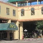 Temple Gardens Resort & Spa