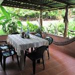 terraza trasera para desayunar