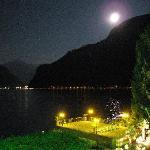 El lago de noche