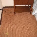 Más moqueta habitación 607