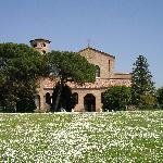 サンタポッリナーレ・イン・クラッセ聖堂の外観