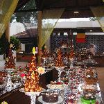 Un buffet de desserts (le soir de la fète nationale belge)