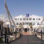 El Hotel y terraza