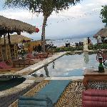 pool/bar - view of sea