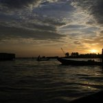 Ninh Kieu port at dawnasa hayaku no Ninh Kieu minato