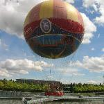 PanoraMagique balloon on Lake Disney.