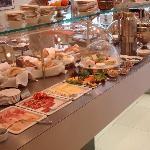 Breakfast at the Maximillian