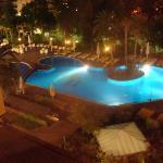 la piscine de l'hotel un peu froide mais bon