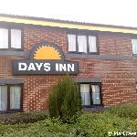 Exterior of Days Inn