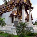 A Wat by the Ayutthaya River.Wat Naphrameru, Ayutthaya :D