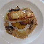 Pan fried Halibut fillet, nicolet potatos, leek hearts and roast ceps