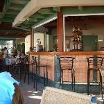 poolside bar / restaurant