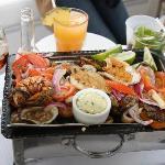 seafood platter/ parrillada de mariscos