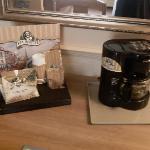 Van Houtte coffee in the room :)