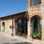 Front Entrance - Hotel Monteriggioni