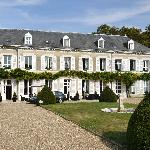 Le Manoir is conveniently situated next to the Chateau d'Amboise.