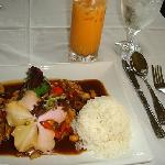 Cashew Chicken w/ Sweet Thai Tea