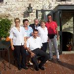 Lo staff della Rocca si fa fotografare insieme a noi