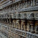 Somnathpura - outer wall frieze
