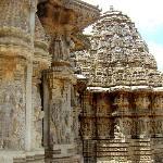 Somnathpura - outer courtyard