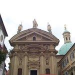 Mausoleo (entrada): el emperador Ferdinen II lo hizo construir para un Habsburgo en Graz, es el