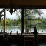 Comedor con vistas al lago