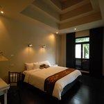 Montra Hotel Foto