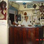 De Los Reyes Front Desk