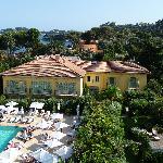 Pool und Orangerie-Gebäude