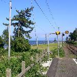 雨晴駅から海岸を望む