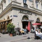 internet shot of Cafe Bellaria