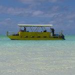 Aitutaki Adventures Lagoon Cruise - The 'Yellow Boat'
