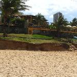 Sicht auf das Hotel vom Strand