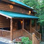 Bearly Creekside Front porch