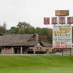 Gold Eagle Motel sign and the Gold Eagle Restaurant
