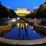 Romanian parlamenttitalo - Nicolae Ceauşescun suuruudenhullu rakennelma, joka on maailman toisek