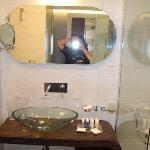 Badezimmer, sehr modern