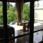 Open air den, dining area & kitchen/bar