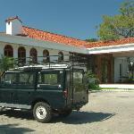 Casa Ceibo and vintage Range Rover
